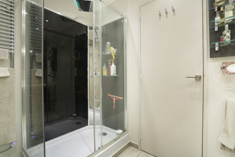 Deluxe sale apartment Neuilly-sur-seine 1490000€ - Picture 15