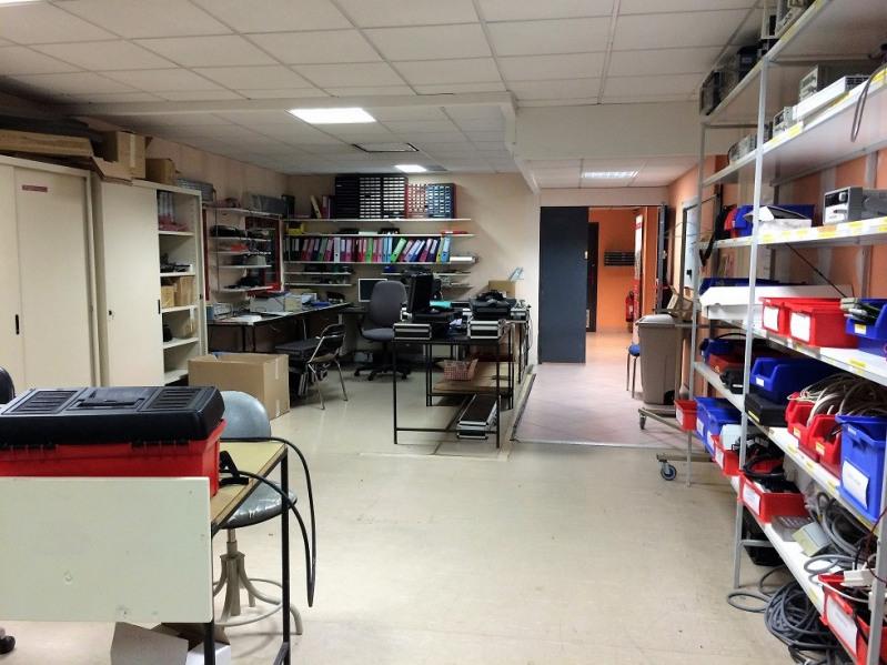 vente bureau lab ge 31670 lab ge de 1390 m ref 70886v. Black Bedroom Furniture Sets. Home Design Ideas
