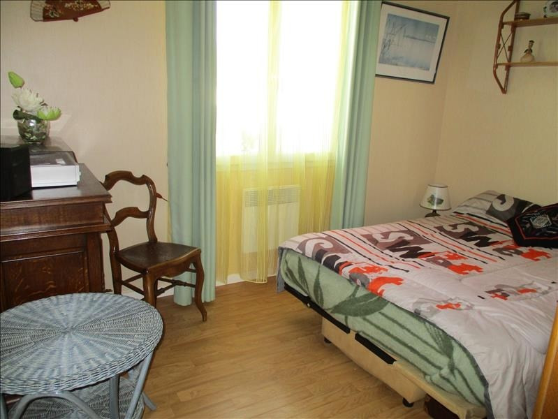 Sale house / villa St jean d angely 184000€ - Picture 5