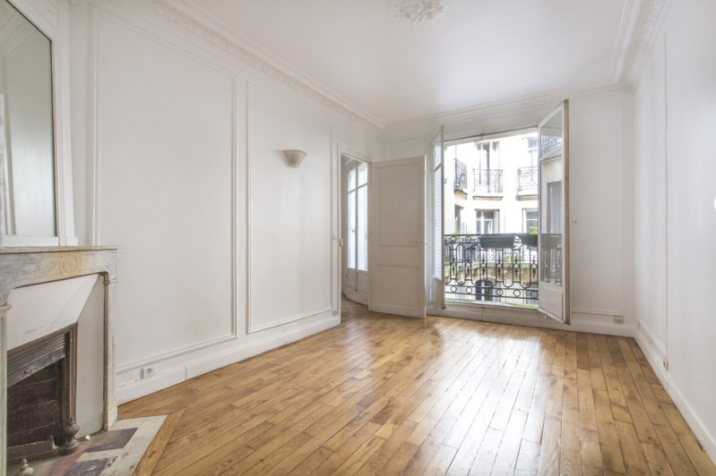 Sale apartment Paris 18ème 650 000€ - Picture 1