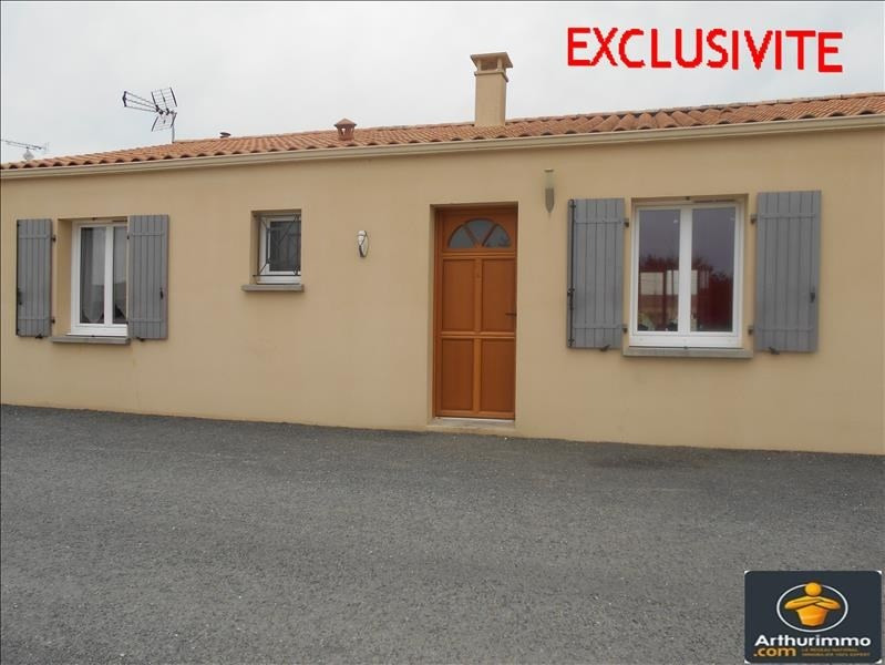 Sale house / villa St jean d angely 133125€ - Picture 1