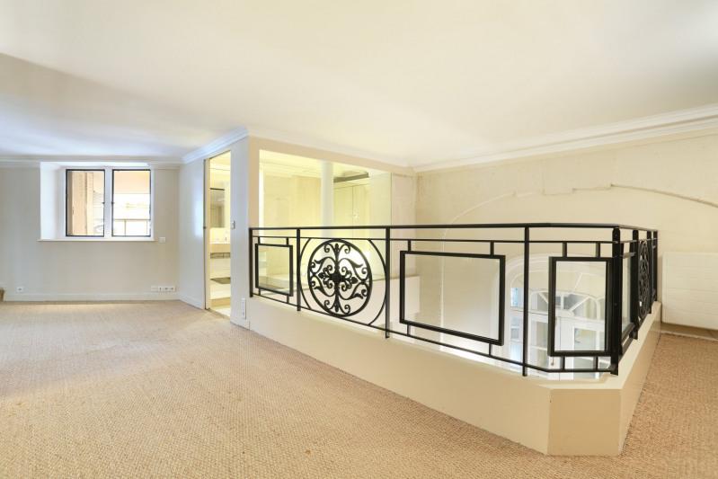 Vente de prestige appartement Paris 8ème 970000€ - Photo 8