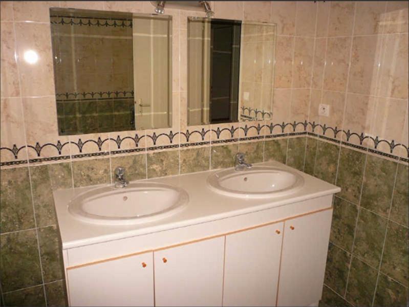 Investment property house / villa La tour du pin 175000€ - Picture 5