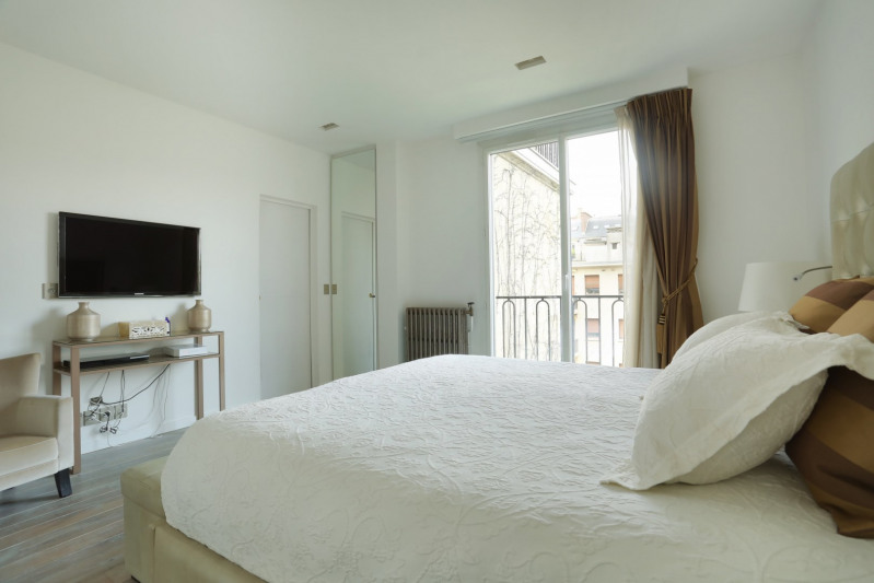Deluxe sale apartment Neuilly-sur-seine 2450000€ - Picture 11