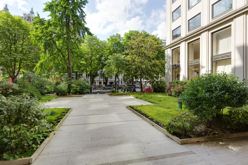 Vente de prestige appartement Paris 8ème 2950000€ - Photo 2