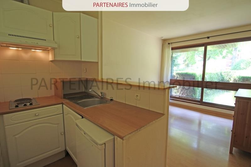 Rental apartment Le chesnay 620€ CC - Picture 2
