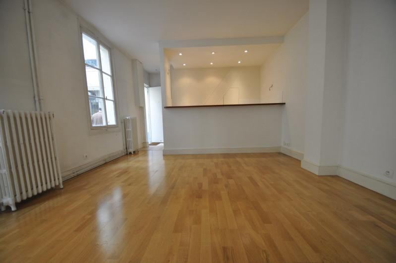 Location appartement Paris 14ème 1402€ CC - Photo 1