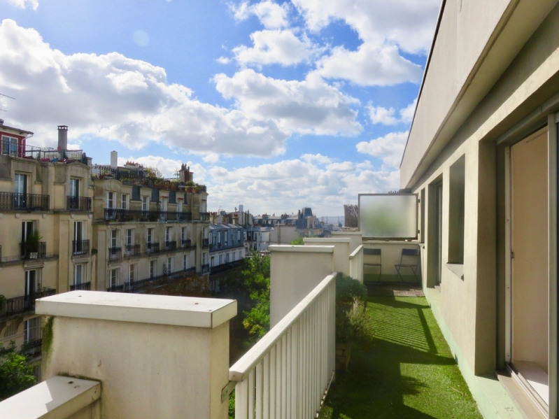 Sale apartment Paris 18ème 900 000€ - Picture 1
