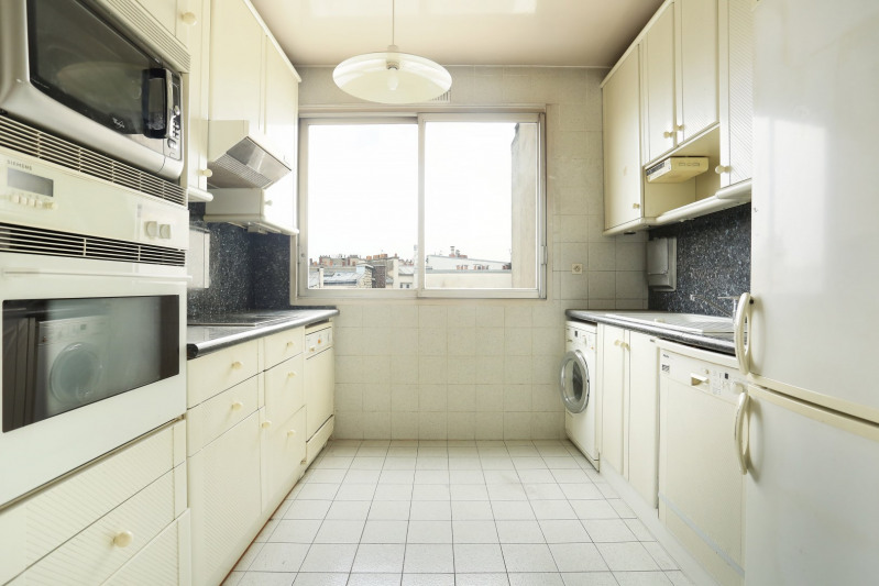 Vente de prestige appartement Paris 16ème 1700000€ - Photo 8