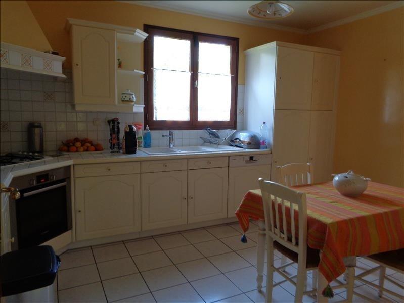 Sale house / villa Forges les bains 520000€ - Picture 3