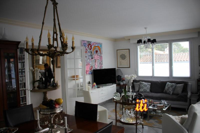 Deluxe sale house / villa Chateau d olonne 598700€ - Picture 2
