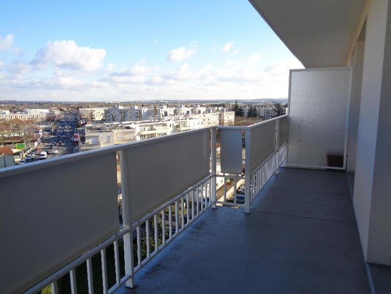 Location appartement Bron 665€ CC - Photo 3