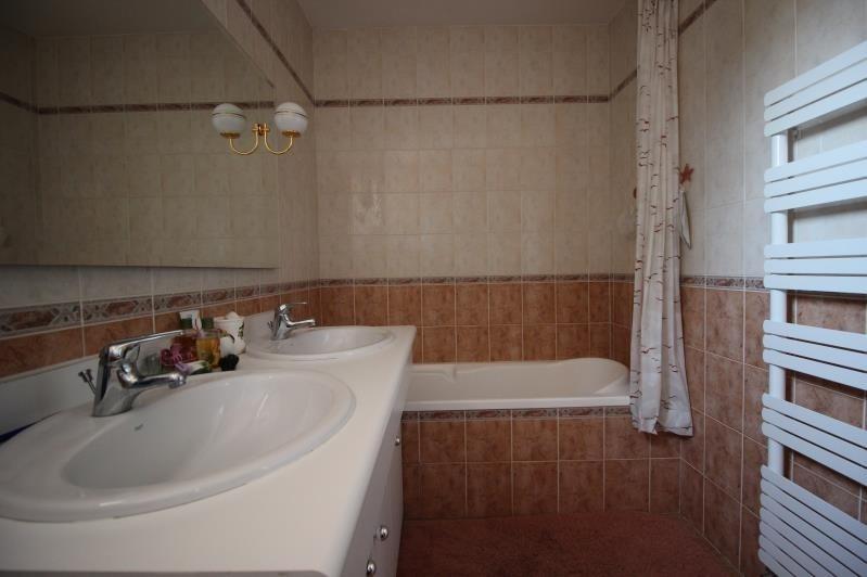 Sale house / villa Etaux 450000€ - Picture 8