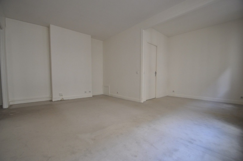Location appartement Paris 8ème 1 095€ CC - Photo 3