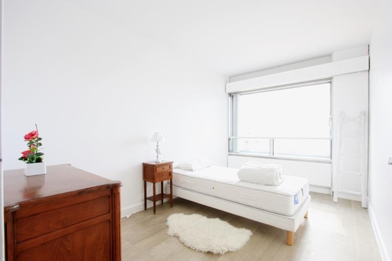 Location appartement Paris 15ème 2 816€ CC - Photo 5