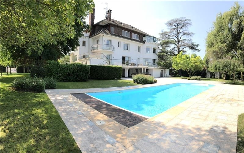 Deluxe sale house / villa Poissy 2 575 000€ - Picture 1