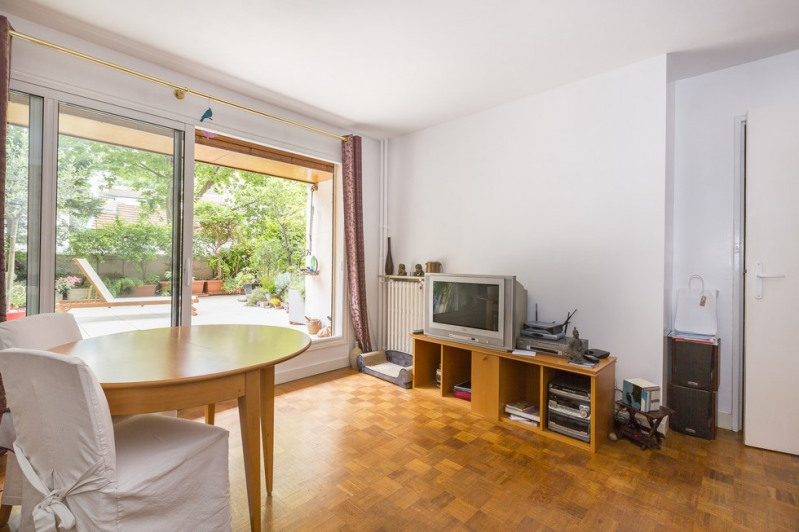 Location appartement Paris 18ème 2 053€ CC - Photo 4