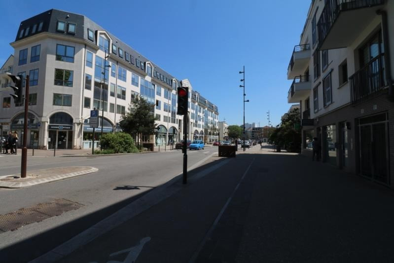 Location local commercial Viroflay 1 870€ HT/HC - Photo 1