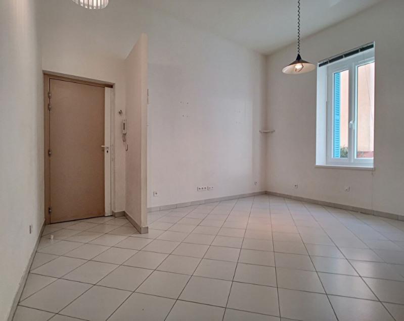 Sale apartment Menton 220000€ - Picture 3
