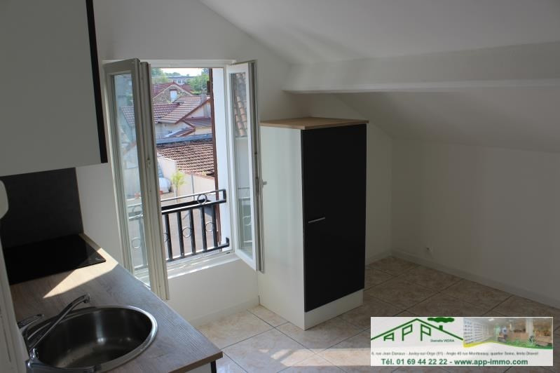 Location appartement Vigneux sur seine 815€ CC - Photo 2