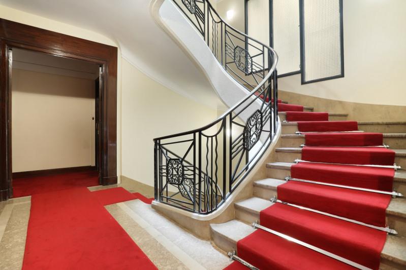Vente de prestige appartement Paris 8ème 990000€ - Photo 11