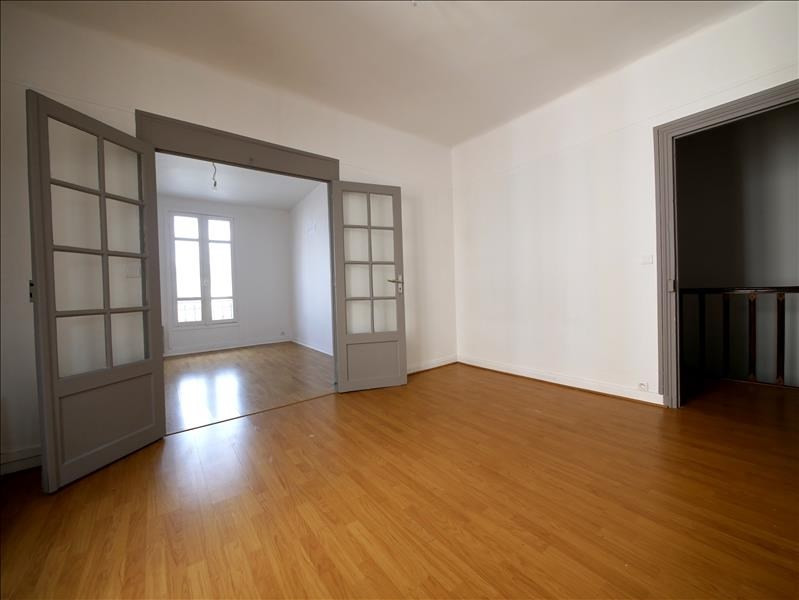 Rental apartment L hay les roses 860€ CC - Picture 1