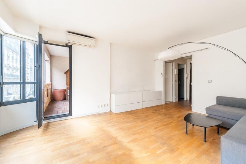 Sale apartment Paris 10ème 440000€ - Picture 2