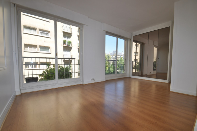 Location appartement Paris 16ème 988€ CC - Photo 1