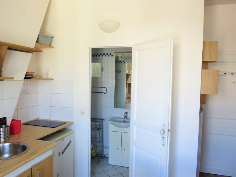 Location appartement Paris 9ème 850€ CC - Photo 6
