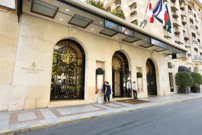 Vente de prestige appartement Paris 8ème 1750000€ - Photo 2