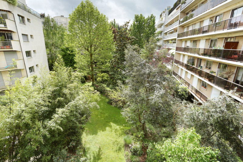 Deluxe sale apartment Neuilly-sur-seine 2 300 000€ - Picture 2