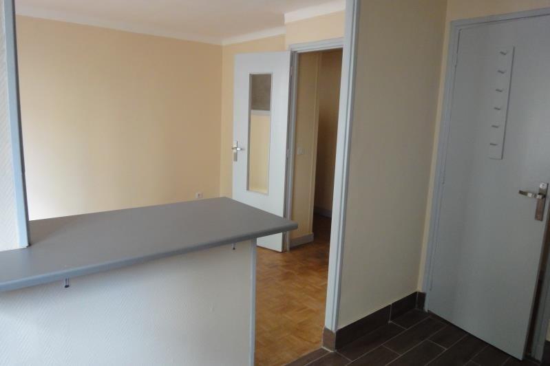 Rental apartment Paris 20ème 1213€ CC - Picture 3