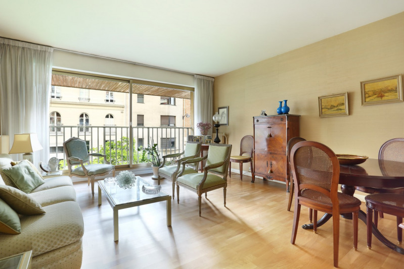 Paris 16th District – A bright and peaceful two-bed apartment