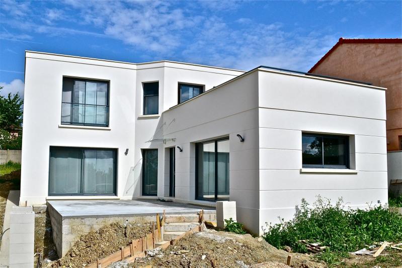 """Modèle de maison  """"Maison contemporaine"""" à partir de 6 pièces Seine-et-Marne par MAISONS FOSCHIA"""