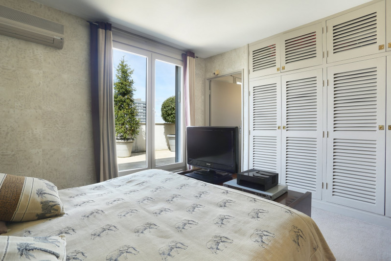 Deluxe sale apartment Neuilly-sur-seine 1680000€ - Picture 8