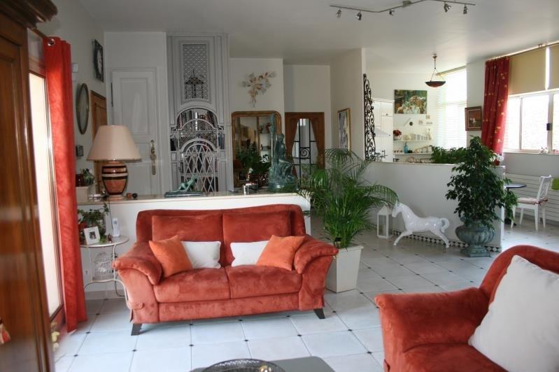 Sale house / villa Machault 580000€ - Picture 4