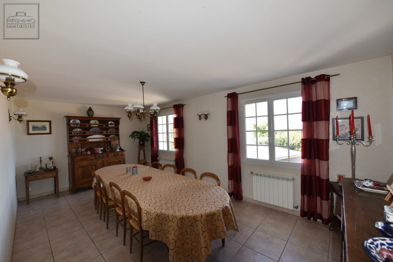 Deluxe sale house / villa Chasselay 730000€ - Picture 12
