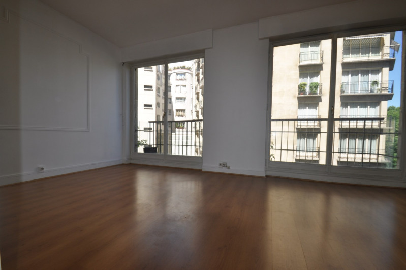 Location appartement Paris 16ème 988€ CC - Photo 2