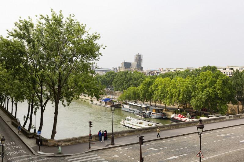 Deluxe sale apartment Paris 4ème 1190000€ - Picture 8