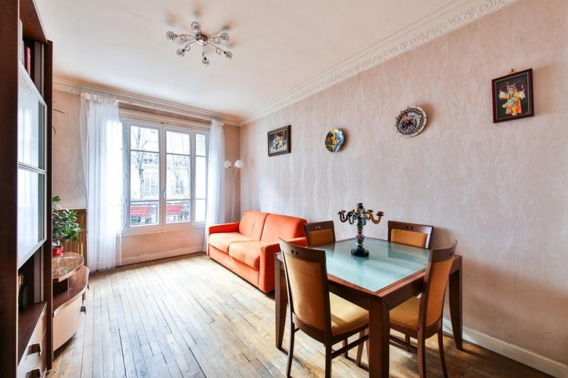 Sale apartment Paris 18ème 799000€ - Picture 2