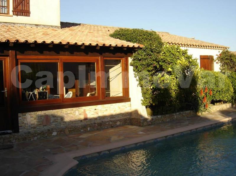 Sale house / villa Sanary-sur-mer 550000€ - Picture 1
