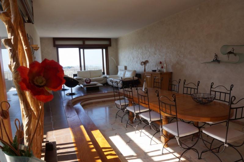 Laplume - villa d'architecte avec beau terrain