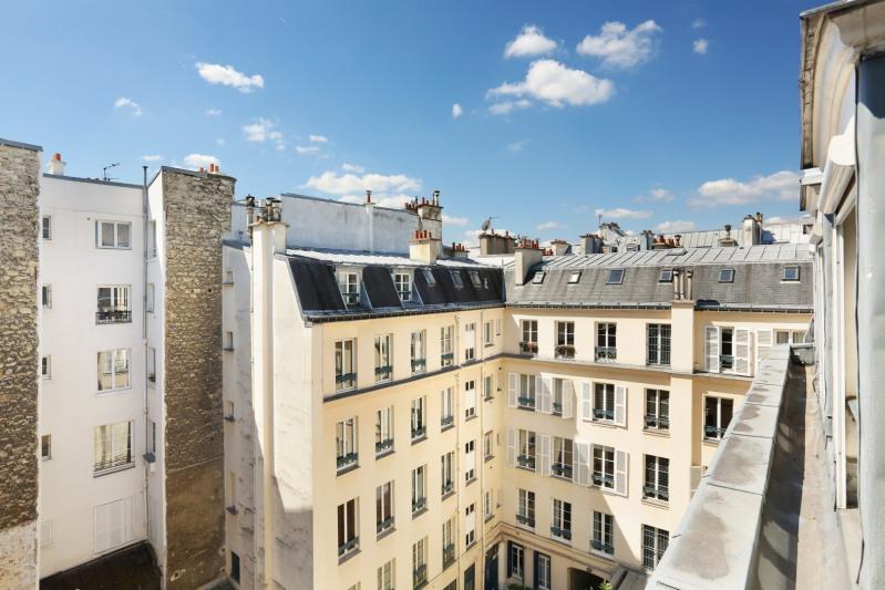 Vente de prestige appartement Paris 9ème 770000€ - Photo 2
