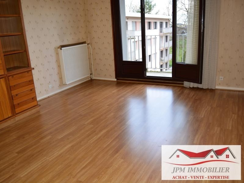 Sale apartment Cluses 110000€ - Picture 1