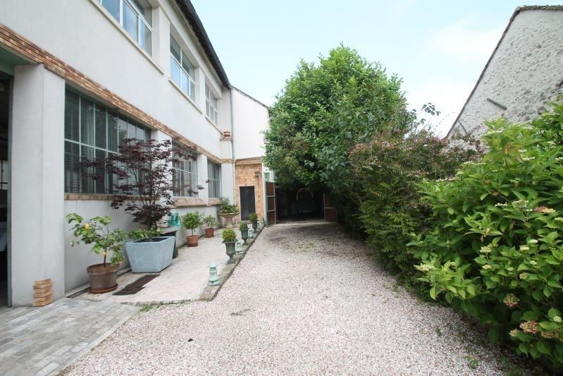 Sale house / villa Machault 580000€ - Picture 1