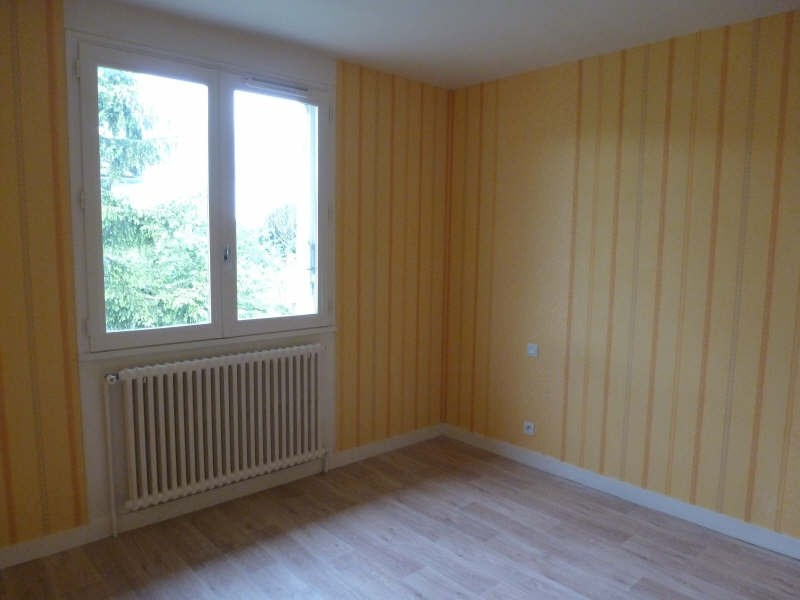 Location maison / villa Chatellerault 580€ CC - Photo 5