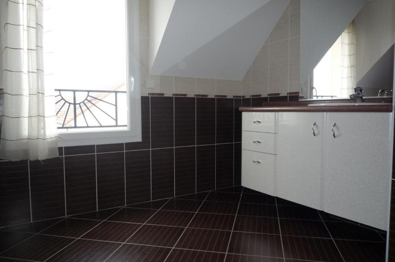Location maison / villa Fontaine les dijon 1 660€ CC - Photo 6