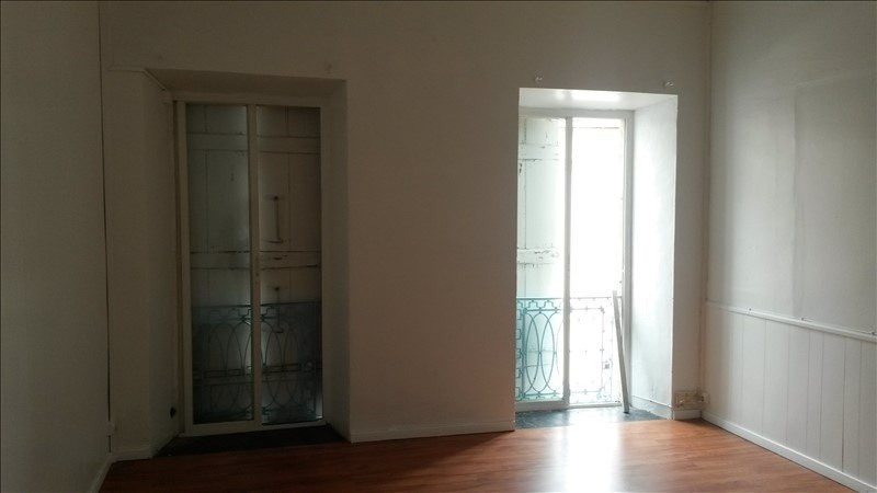 Rental empty room/storage Basse terre 2000€ +CH/ HT - Picture 2