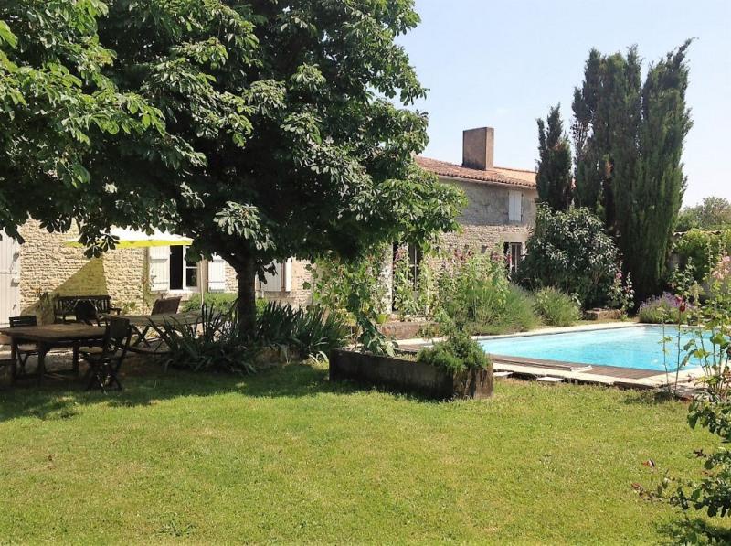 Maison Saint Sauveur D Aunis 10 pièce (s) 305 m²