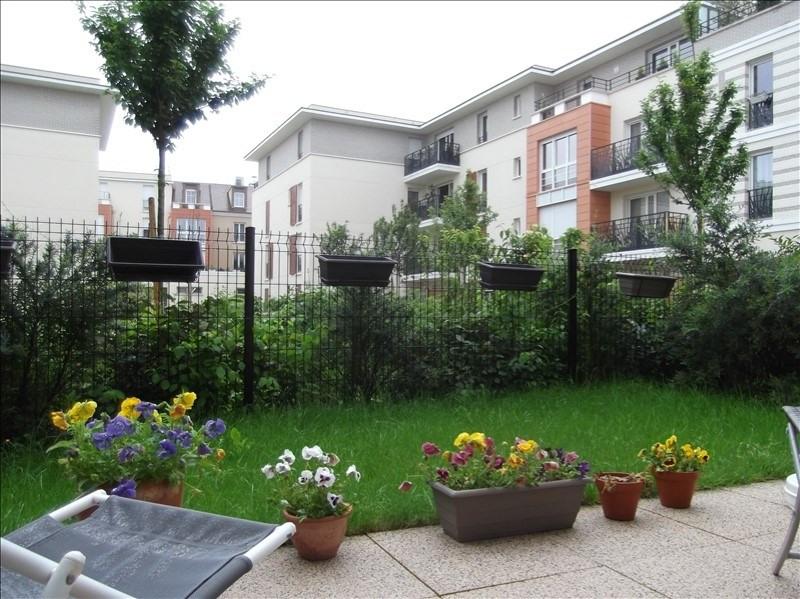 Rental apartment Voisins le bretonneux 1031€ CC - Picture 1